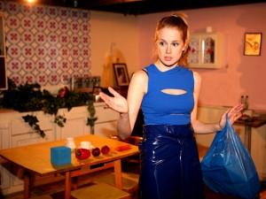 Berta Errando - Blue Peaches - Melanina Teatre
